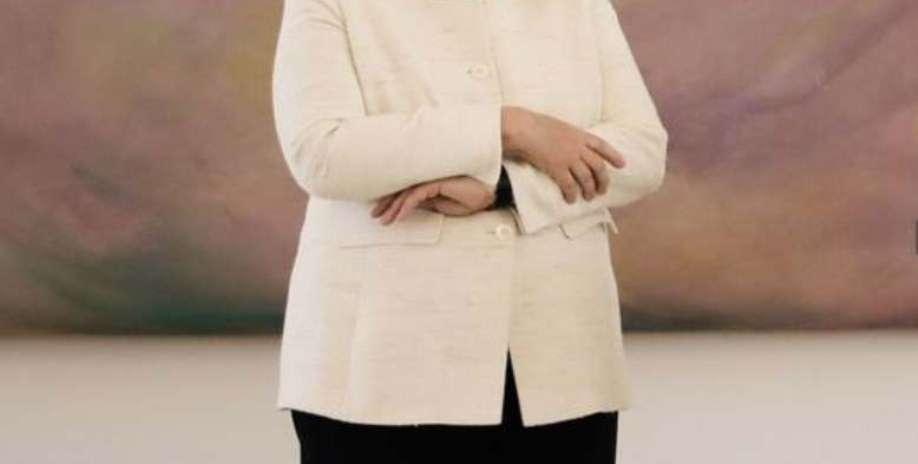 La Merkel trema